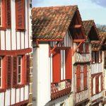 la-bastide-clairence-facades-et-toits